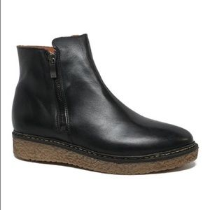 Black Hampton Leather Ankle Boot Eric Michael